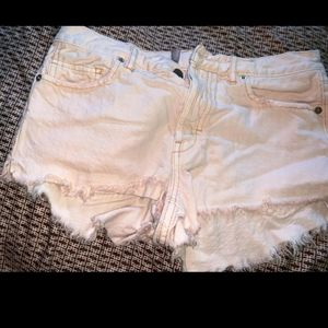 Free People Peach/Pink Jean Shorts Size W26